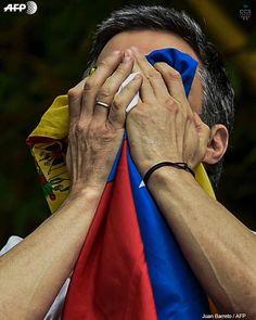 Te presentamos la selección: <<FOTO DEL DÍA #8J>> en Caracas Entre Calles. ============================  F O T Ó G R A F O  >> @jbarreto1974 << Visita su galería ============================ SELECCIÓN @mahenriquezm TAG #CCS_EntreCalles ================ Team: @ginamoca @luisrhostos @mahenriquezm @teresitacc @floriannabd ================ #Caracas #Venezuela #Increibleccs #Instavenezuela #Gf_Venezuela #GaleriaVzla #Hallazgosemanal #Ig_GranCaracas #Ig_Venezuela #IgersMiranda #Great_Captures_Vzla…