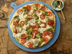 vegetarischer Tomaten-Mozzarella-Flammkuchen