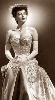 Ava, beautiful dress! Women should still dress like this! So elegant!