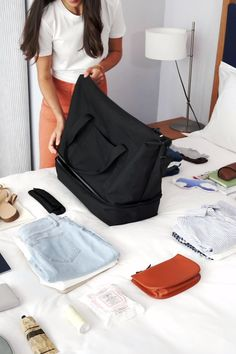 Sacs Design, Bag Women, Clothing Hacks, Worth Clothing, Travel Items, Packing Tips For Travel, Travel Bag Essentials, Travel Accessories, Fashion Bags
