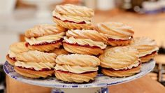 Hairy Bikers' Best of British: High Tea Uk Recipes, Baking Recipes, Snack Recipes, Baking Ideas, Mary Berry, Afternoon Snacks, Afternoon Tea, English Food, English Recipes