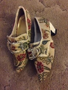 Genteel Musings: HSF Re-make, Re-use & Re-fashion century shoes, picture-heavy) 18th Century Clothing, 18th Century Fashion, Historical Costume, Historical Clothing, Vintage Shoes, Vintage Outfits, Fashion Vintage, 1980s Shoes, Victorian Shoes