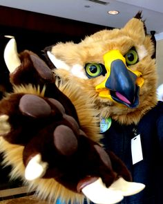 Case Ace Gryphon (Taken at Furnal Equinox 2015) Fursuit Maker: https://www.furaffinity.net/user/wolfbird/ Fursuiter: https://www.furaffinity.net/user/raccoonrat/