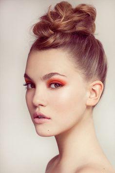 Orange Eyeshadow and cute braided bun No Make Up Make Up Look, Eye Make Up, Makeup Tips, Beauty Makeup, Hair Beauty, Makeup Ideas, Makeup Trends, Lip Makeup, Up Hairstyles