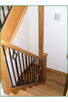 Moreton Barn Oak And Metal Staircase Metal Spindles, Banisters, Cot, Glass  Panels,
