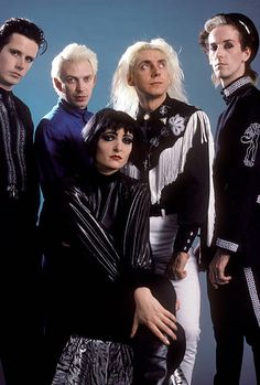photo-of-siouxsie-and-the-banshees-and-siouxsie-the-banshees-siouxsie-picture-id85842459 (413×612)