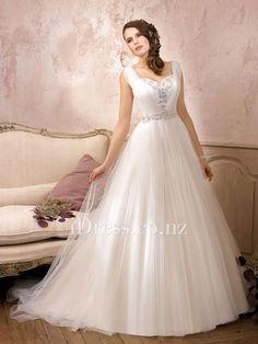 sleeveless sweetheart straps a-line tulle over satin wedding dress