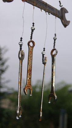Windspiele aus Metall - Werkzeuge - Rost