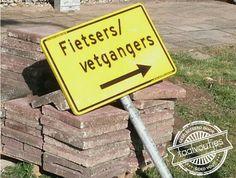 Die staat zeker naast de snackbar. #taalvout (Met dank aan Noortje Reijerkerk!)