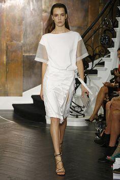 Amanda Wakeley RTW Spring 2015 - Slideshow - Runway, Fashion Week, Fashion Shows, Reviews and Fashion Images - WWD.com