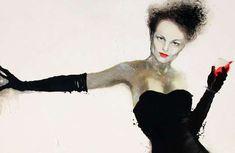100 Artful Fashion Illustrations