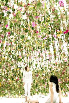 A Kinetic Sea of Flowers Blooms in Tokyo | The Creators Project
