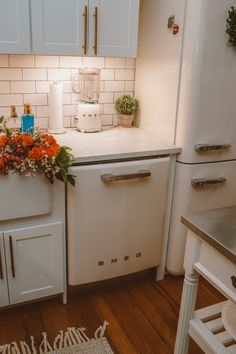 Our SMEG Appliances from Bed Bath & Beyond - a slice o' pi Kitchen Design Small, Kitchen Design Trends, Smeg Appliances, Home Kitchens, Teal Kitchen Decor, Nyc Apartment Decorating, Kitchen Decor Apartment, Kitchen Design, Small Kitchen Decor
