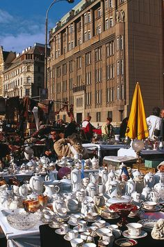 flea markets and antique markets in vienna Living In Europe, Antique Market, Flea Markets, Vienna Austria, What A Wonderful World, European Travel, Fleas, Travel Style, Wonders Of The World