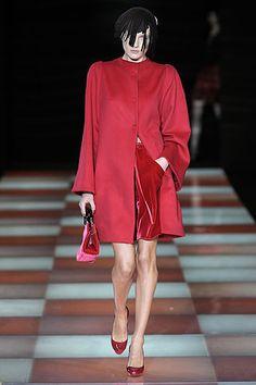Giorgio Armani Fall 2010 Ready-to-Wear Collection Slideshow on Style.com