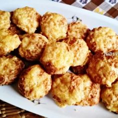 Extra sajtos-túrós pogi   Nosalty Hungarian Recipes, Hungarian Food, Cauliflower, Fitt, Food And Drink, Appetizers, Paleo, Gluten Free, Healthy Recipes