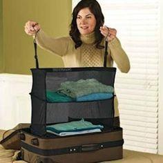 En emballant tout correctement, vous gagnez de la place et du temps. Voici 15 astuces pour faire vos bagages beaucoup plus facilement.  Découvrez l'astuce ici : http://www.comment-economiser.fr/faire-bagages-facilement.html?utm_content=buffera067e&utm_medium=social&utm_source=pinterest.com&utm_campaign=buffer
