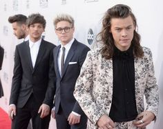 """Nial and louis in this picture: """" oh, why you wearing that to walk out of my life """"  pin it if you get it"""