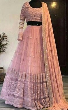 Indian Gowns Dresses, Indian Fashion Dresses, Dress Indian Style, Indian Designer Outfits, Pakistani Dresses, Designer Bridal Lehenga, Indian Bridal Lehenga, Indian Bridal Outfits, Indian Wedding Gowns