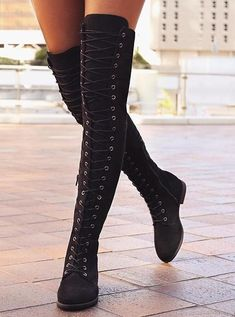 Black Suede Cross Strap Block Heel Thigh High Boots 2019 Fashion Boots of Top D… Schwarzes Wildleder Kreuzriemen Blockabsatz Oberschenkel. Kleidung Design, Long Boots, Black High Heels, Knee High Heels, High Shoes, Fashion Boots, Style Fashion, Fashion Top, Winter Fashion