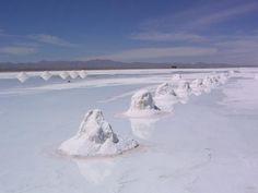 Salar de Uyuni (largest salt flat in the world)