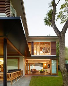 Post Post-War House by Shaun Lockyer Architects, Brisbane Australia