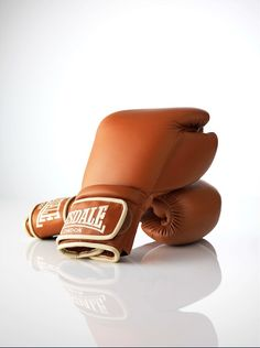 'Favorites' in Linda Magazine NL Photography by Frank Brandwijk I 'Brown Leather Lonsdale Boxing Gloves'