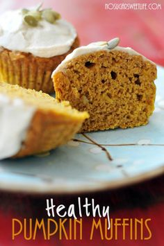 HEALTHY Pumpkin Muffins - perfect for fall!