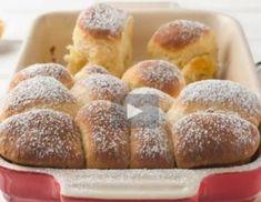 Video - Buchteln Sandwich Torte, Hummus, Banana Bread, French Toast, Muffins, Yummy Food, Baking, Breakfast, Desserts