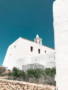Ibiza isn't just about nightclubs. Here's a mini guide to the different side of Ibiza and the best places to visit on the island. Cool Places To Visit, Great Places, Ibiza Travel, Ibiza Town, Inclusive Holidays, Ibiza Spain, Lost City, Beach Fun, Days Out