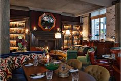 Scarf bar, the Rosewood Hotel for Martin Brudnizki Rosewood London, Rosewood Hotel, Bar Interior, Modern Interior Design, London Calling, Restaurant Booth, Light Colored Wood, Custom Neon Signs, Top Restaurants