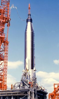 Nasa Mercury-Atlas 9 at Laucnh Complex The gantry has been pulled back, but the rocket has not been filled with propellants. Project Mercury, Nasa Space Program, Constellations, Apollo Missions, Nasa Astronauts, Air Space, Space Race, Space And Astronomy, Our Solar System
