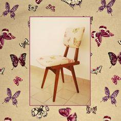 """¡Más muebles tapizados con nuestros géneros! Nueva vida para estas sillas americanas #vintage gracias al género """"#Mariposas Olivia"""". Disponible en varios colores. #butterflies"""