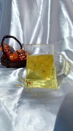 Chrysanthemum Tea, Detox Kit, Premium Tea, Glass Tea Cups, Food Packaging Design, Marketing Ideas, Teas, Superfoods, Healthy Drinks