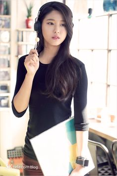 Hi I'm Seolhyun Park I'm 19 years old I'm from caste 5 and from Palloma I do wish I was in caste 2