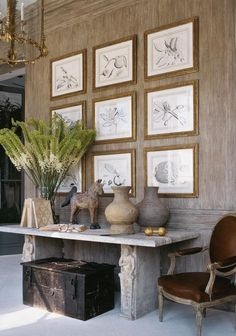 interior design ideas and inspiration for the transitional home : Art Statement: Gallery walls Home Interior, Interior And Exterior, Interior Decorating, Decorating Ideas, Design Entrée, Home Design, Design Hotel, Transitional House, Interior Design Inspiration