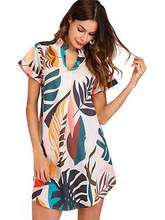 Shop Tropical Print V Cut Curved Hem Dress online. SHEIN offers Tropical Print V Cut Curved Hem Dress & more to fit your fashionable needs. Mode Boho, V Cuts, Latest Dress, Asymmetrical Dress, Types Of Sleeves, Fashion News, Ladies Fashion, Womens Fashion, Girl Fashion