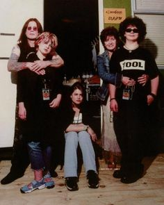 Ozzy and Sharon Osbourne with Aimee, Jack, and Kelly Ozzy Osbourne Family, Ozzy And Sharon Osbourne, Jack Osbourne, Kelly Osbourne, Good Funny Movies, Legend Singer, Cult Of Personality, The Osmonds, Celebrity Photography