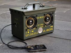 Apocalypse-Ready Boom Boxes - The Tho­dio A-​​Box Prepares You for Zombie Outbreaks (GALLERY)