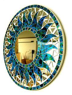 angkasa: Wall hangings Bali mosaic mirror mirror S round shape body blue (color of the sea) + dot sun Mosaic Artwork, Mirror Mosaic, Diy Mirror, Mosaic Wall, Mosaic Pots, Mosaic Diy, Mosaic Tables, Mosaic Garden, Mosaic Stepping Stones