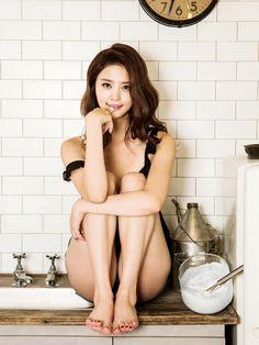 Park Junghwa EXID. My exid bias! with LE too.