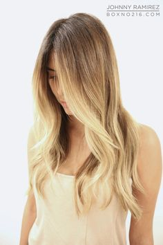 Dark roots with subtle baby streaks blonde balayage ♥ Pinterest : Elisa Gyn