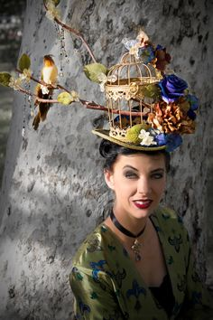 Build hat w wooden birdcage. Goth Shopaholic: Goth Shop of the Week: The Sisters Brimm Crazy Hat Day, Crazy Hats, Goth Shop, Costume Carnaval, Costume Hats, Halloween Karneval, Fancy Hats, Derby Hats, Bird Cage