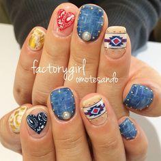 #nail#nailart#factorygirl#denim#casual#native#ネイル#ネイルアート#デニムネイル#ネイティブ柄#オルテガ柄#ペイズリー#メタリックネイル