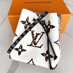 Amazing Outfit Ideas for Every Personal Style Replica Handbags, Handbags Online, Designer Handbags, Dior Handbags, Burberry Handbags, Givenchy, Gucci, Fake Designer Bags, Designer Luggage