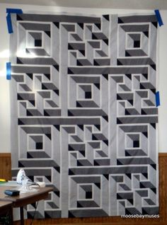 Moose Bay Muses: Labyrinth Quilt with added rows to make it bed sized Labrynth Quilt Pattern, Quilt Patterns Free, Free Pattern, Labyrinth Walk, Optical Illusion Quilts, 3d Quilts, Geometric Quilt, Bed Sizes, Square Quilt