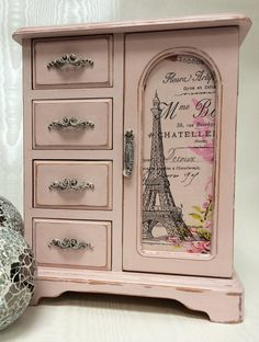 Parisian themed vintage jewellery box by LivvysLoft on Etsy