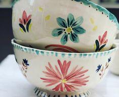 Slab Pottery, Pottery Mugs, Ceramic Pottery, Ceramic Pots, Ceramic Birds, Pottery Painting Designs, Paint Designs, Crackpot Café, Coil Pots