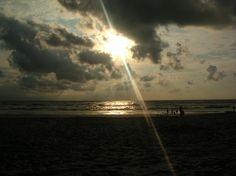 pensando pernoitar na praia | Fotografia de Filipa Canto Grade | Olhares.com