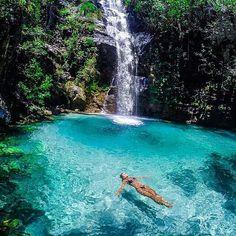 Cachoeira Santa Bárbara - Chapada dos Veadeiros, Brasil. - @marcioenrique